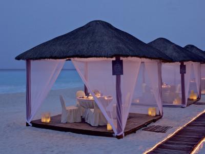 Cena-en-la-Playa-del-Ritz-Carlton-Cancún