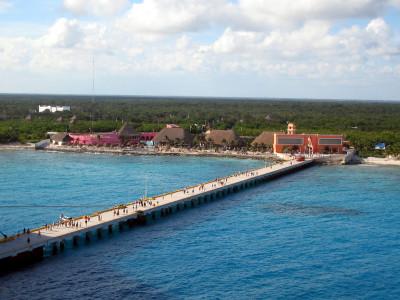 Costa_maya_from_cruise_ship