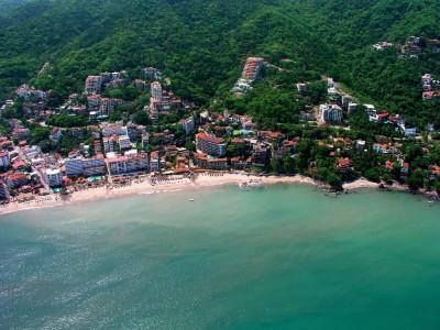 Playa-los-muertos-Puerto-Vallarta