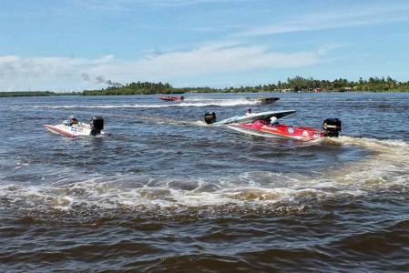 Destacó Paraíso como sede del campeonato nacional de motonáutica (2)
